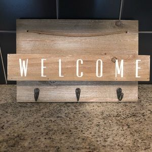 Hanging Welcome decor with 3 hooks